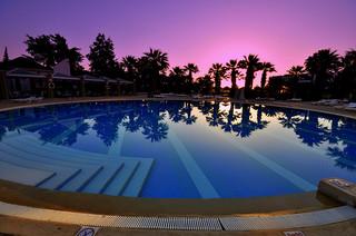 Pohled na bazén u hotelu v Monastiru